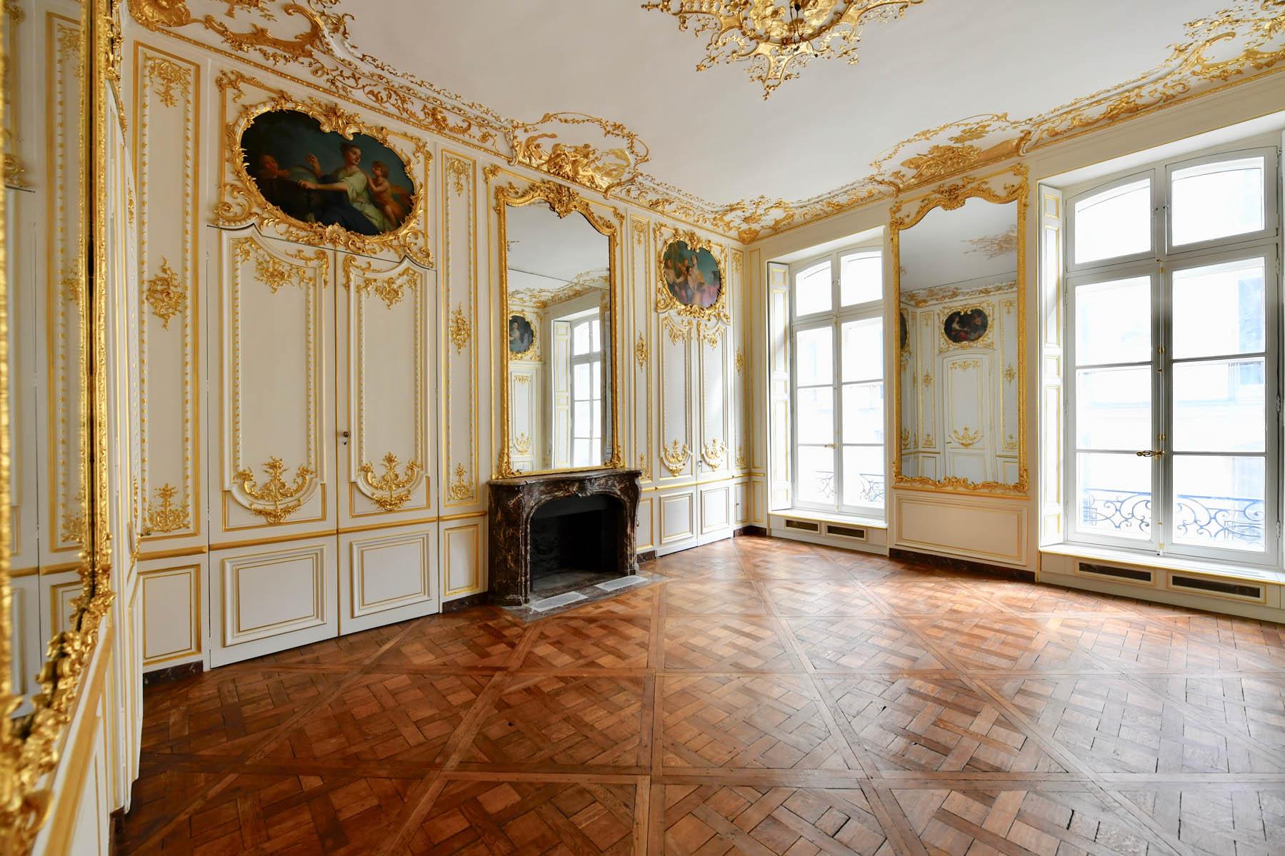 Tollis décor peint salon Bonaparte