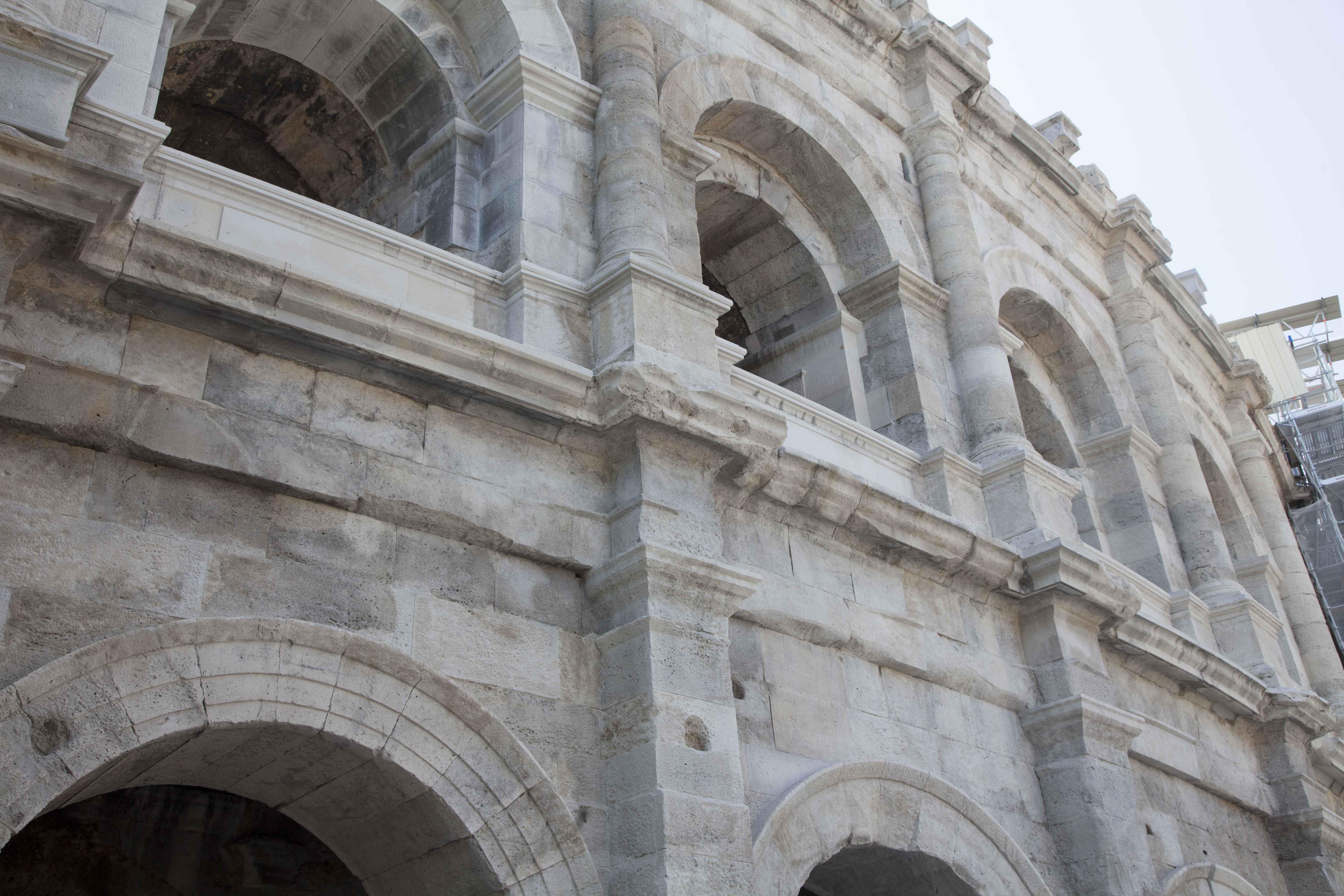 sele restauration amphithéâtre - Nîmes