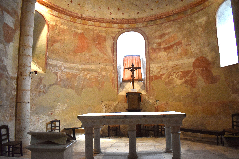 decor-peint-medieval-carolingienDécors peints du chœur