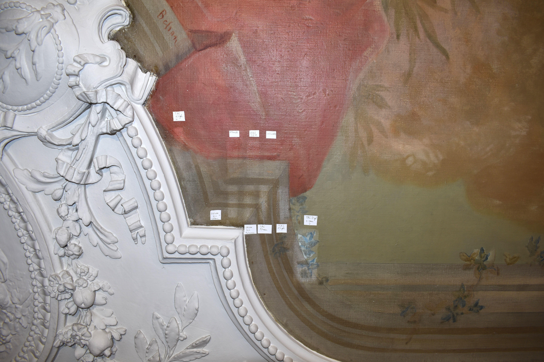 Essais de nettoyage du décor peint