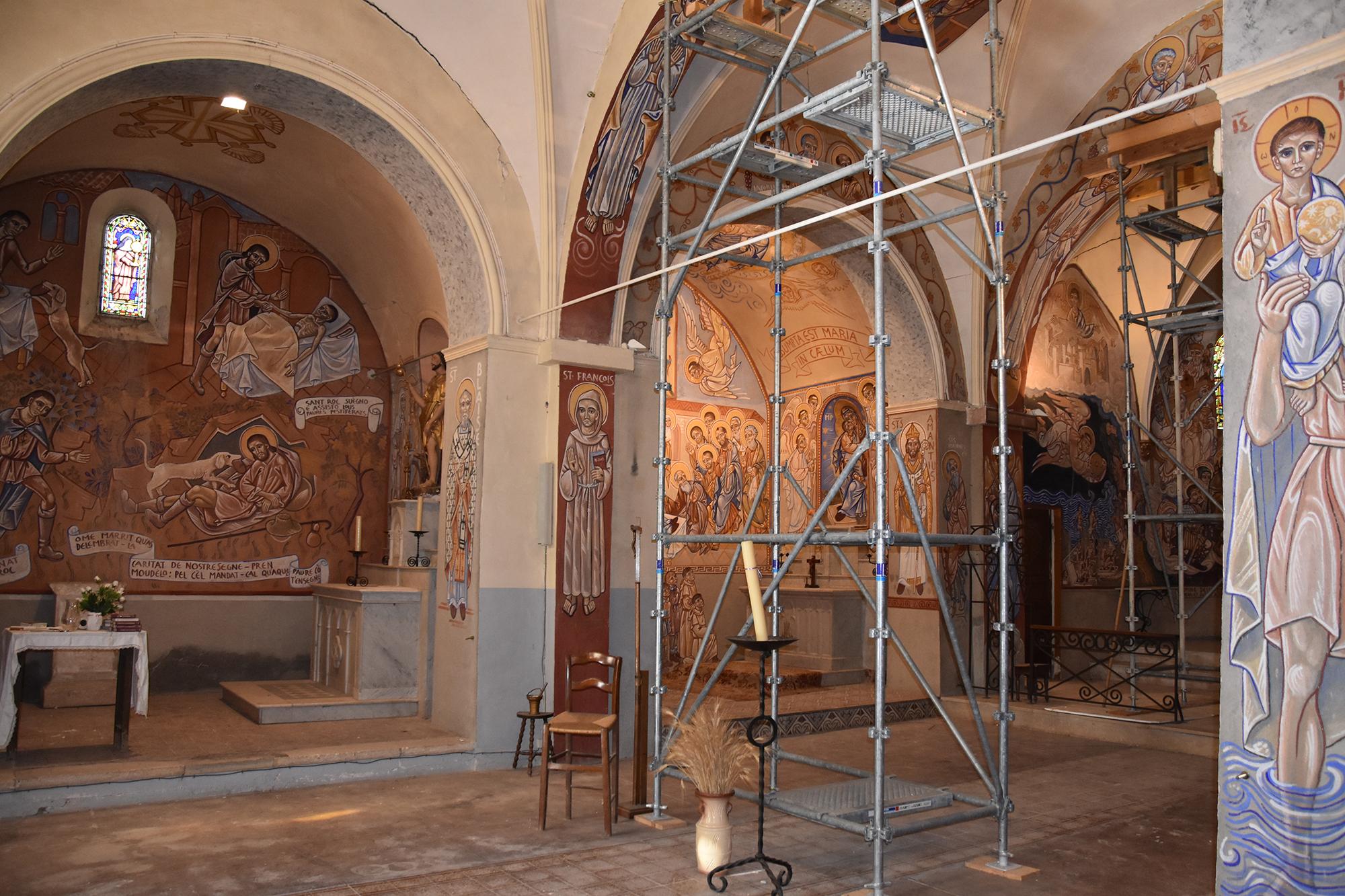 Intérieur de l'église de Cazedarnes