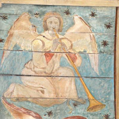 Détail du décor peint : ange musicien