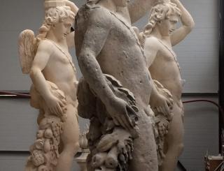 Sculpture neuve des génies de Philippe de Buyster au Val de Grâce